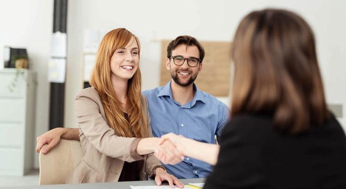 Thiết lập mối quan hệ với khách hàng