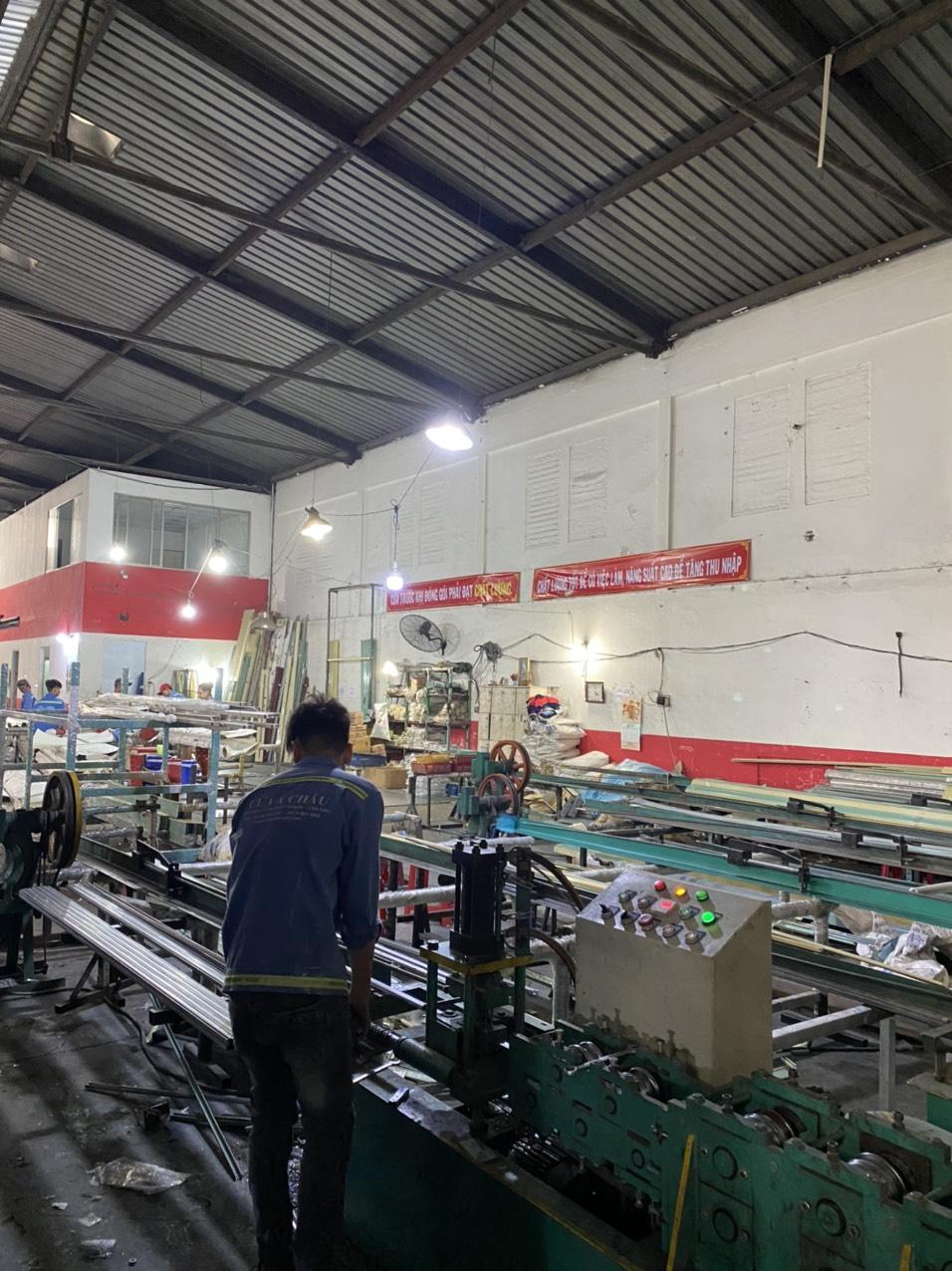 Máy móc sản xuất cửa kéo, cửa cuốn
